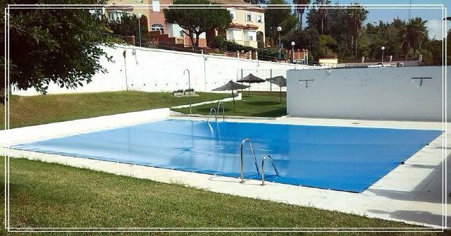 Toldos de piscina toldos mario for Toldos para piscinas